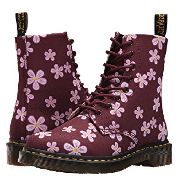 d3fc11b6a6b3 Doc Martens Page Meadows Ankle Boots